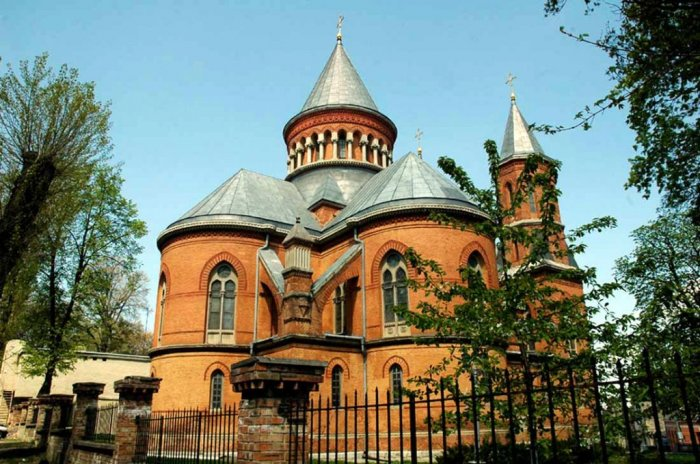 готический стиль армянских церквей помпы для