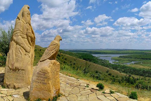 Заповедник Каменные могилы в Мариуполе